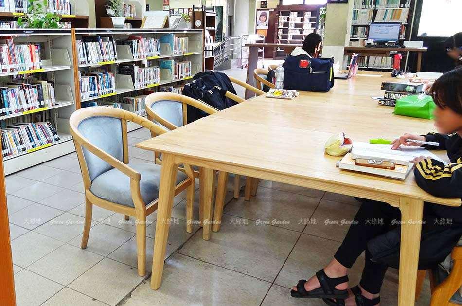 荷比沙發_圖書館閱讀室