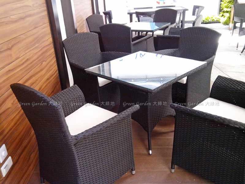 藤編餐桌椅2
