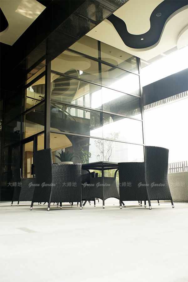 膠藤桌椅1