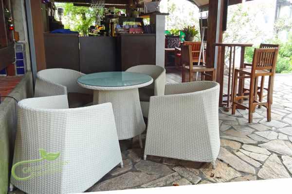 藤編餐桌椅